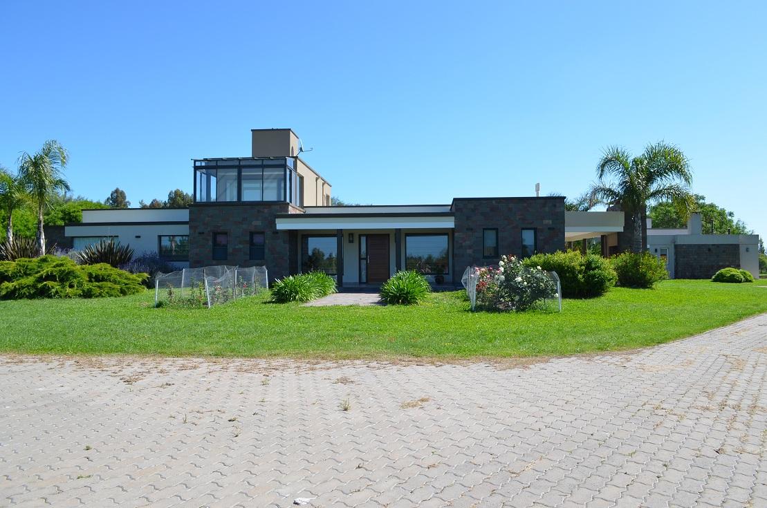 Casa en venta Laguna Vitel 7 ambientes