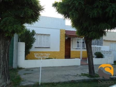 Casa en venta Escuela 35 2 dormitorios