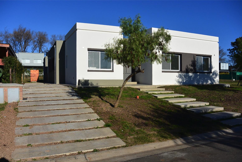 Casa en venta Santa Guadalupe 5 ambientes