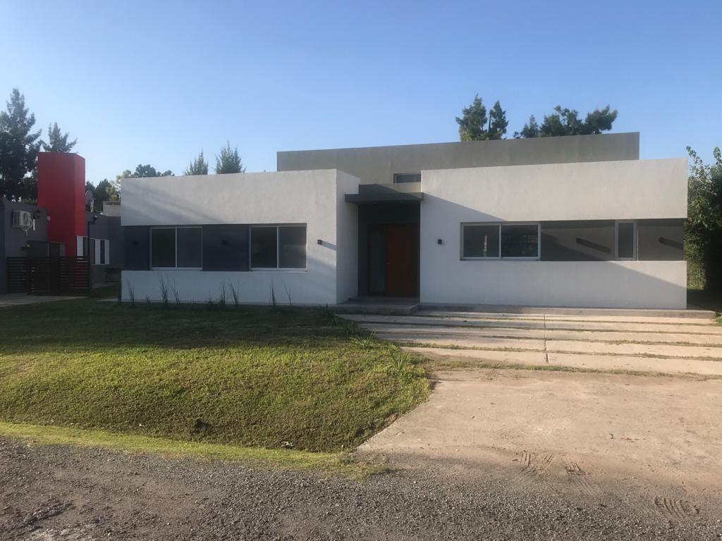 Casa en venta Malibú 4 ambientes