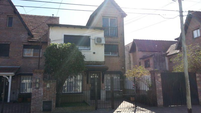 Venta de Casa 5 o mas ambientes en San Isidro Martínez