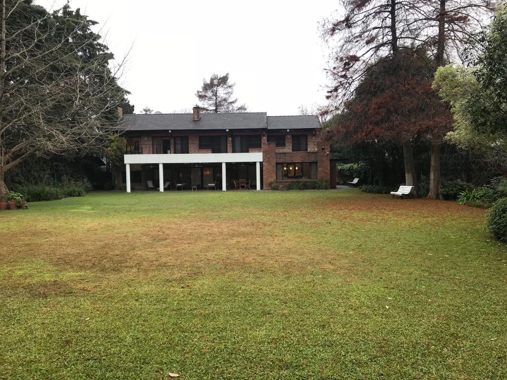 Casa en venta Jockey Chico 6 ambientes