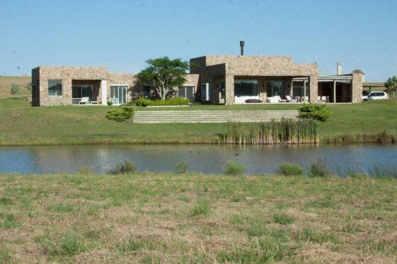 Casa Venta o Alquiler en Punta del Este PUEBLO MIO de 5 Dormitorios
