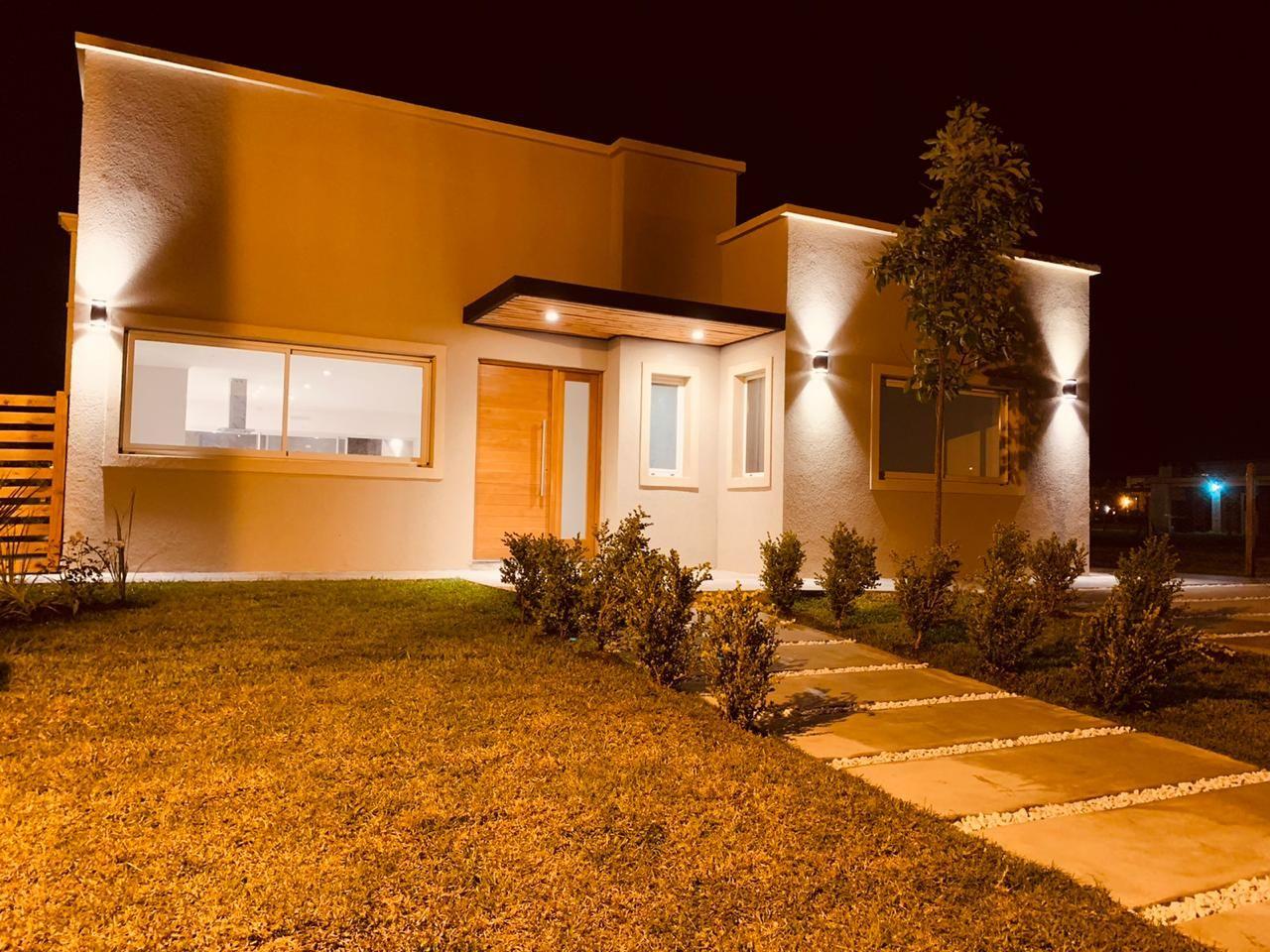Venta de Casa 4 ambientes en Pilar Manzanares