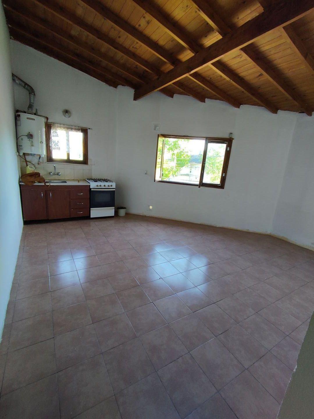 Casa en alquiler Barrio Santa Mónica 3 ambientes