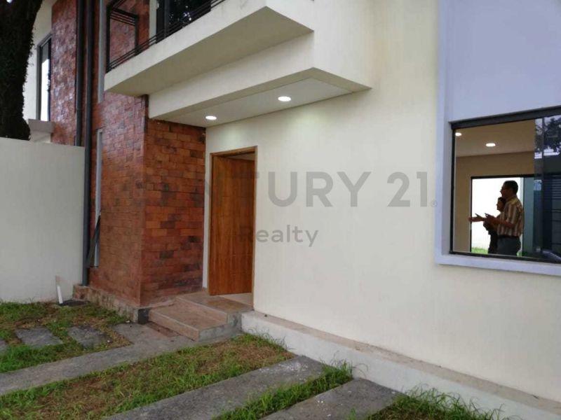 Casa en venta Fernando De La Mora 3 dormitorios