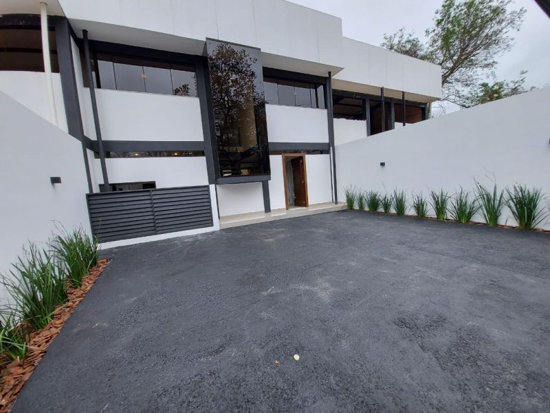 Casa en venta San Bernardino 4 dormitorios
