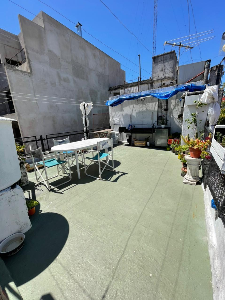 Casa en venta Coghlan 6 ambientes