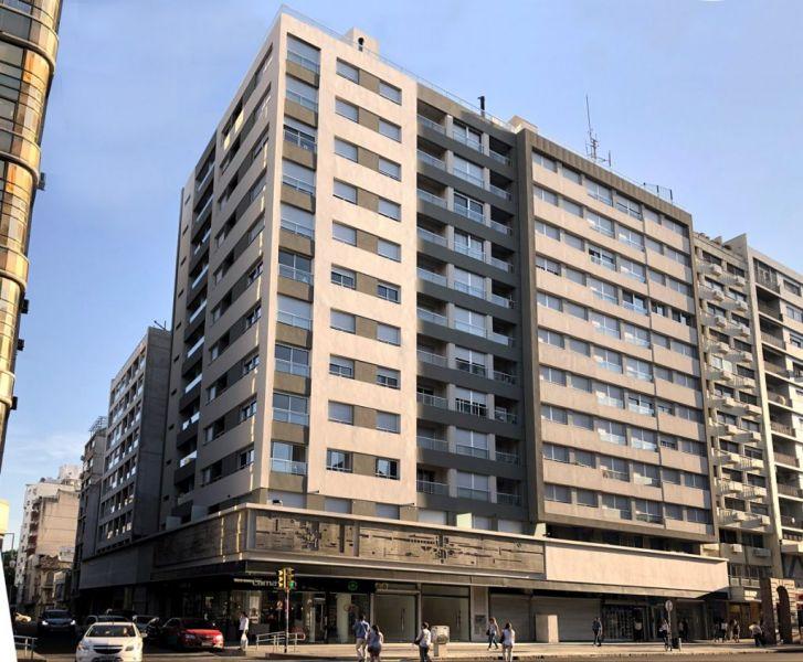NOSTRUM DIECIOCHO - Edificio en Centro