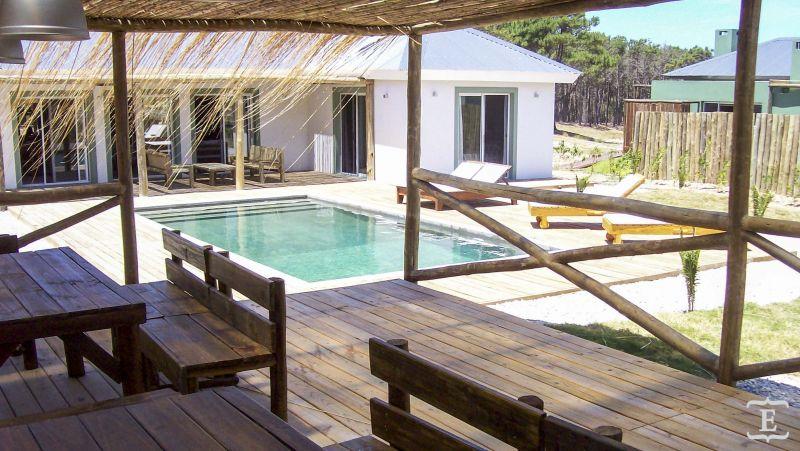 Casa en alquiler temporario Pinar Del Faro 4 dormitorios