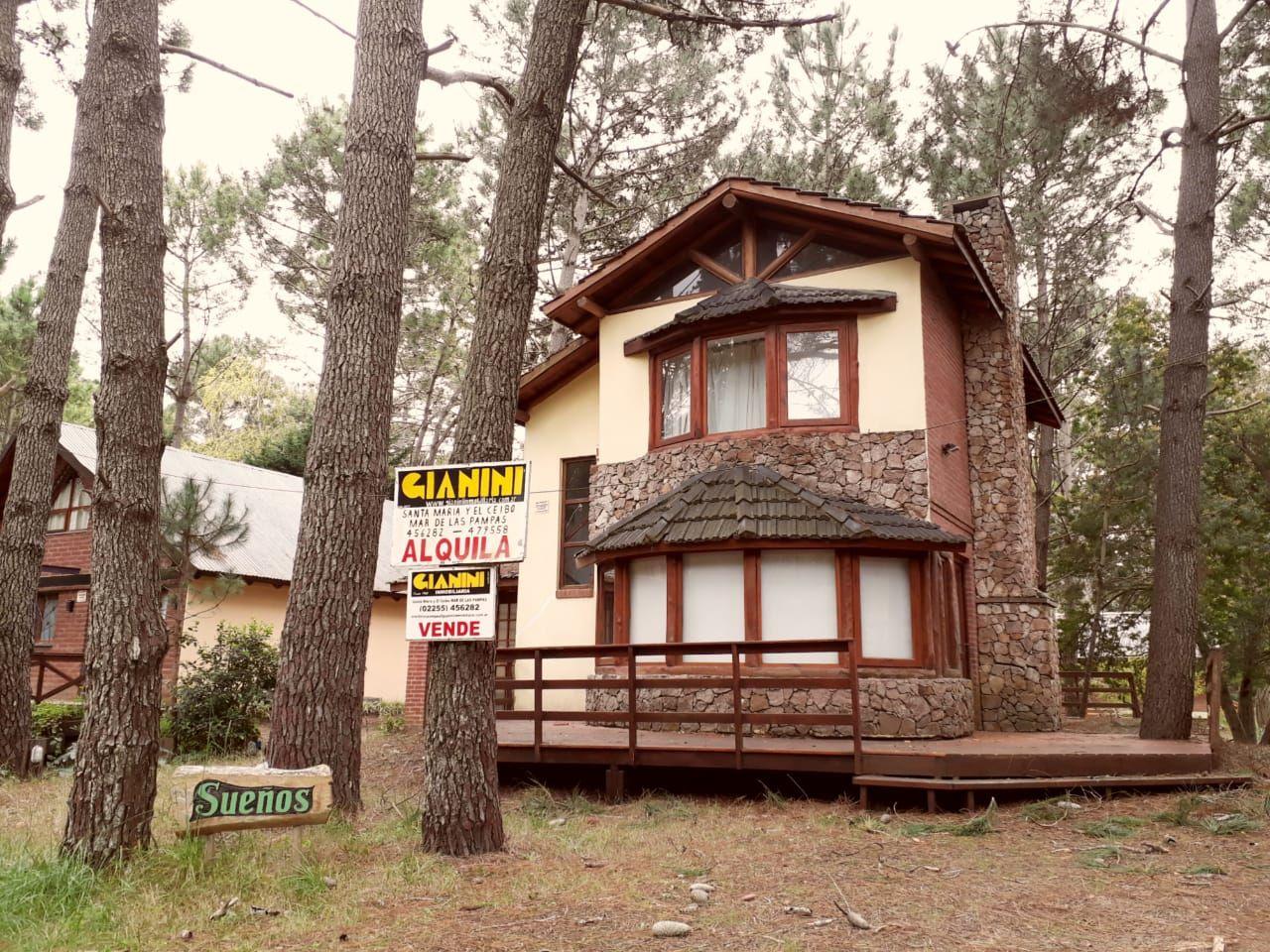 Casa en alquiler temporario Mar De Las Pampas 4 ambientes