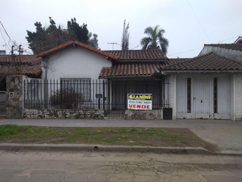 Casa en venta Jose C Paz 4 ambientes