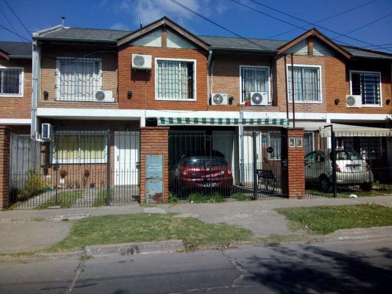 Casa en venta José C Paz 4 ambientes