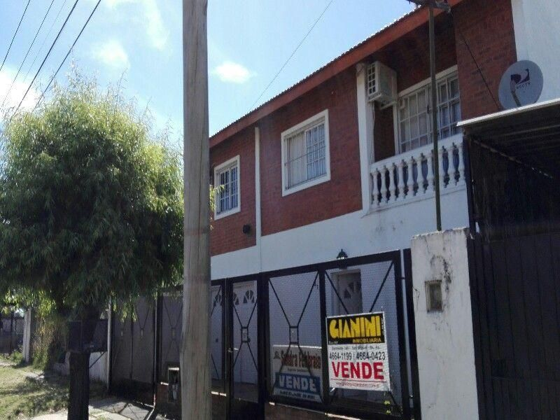 Casa en venta Malvinas Argentinas 4 ambientes