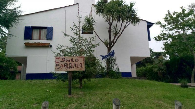 Casa en alquiler temporario Villa Gesell 6 ambientes