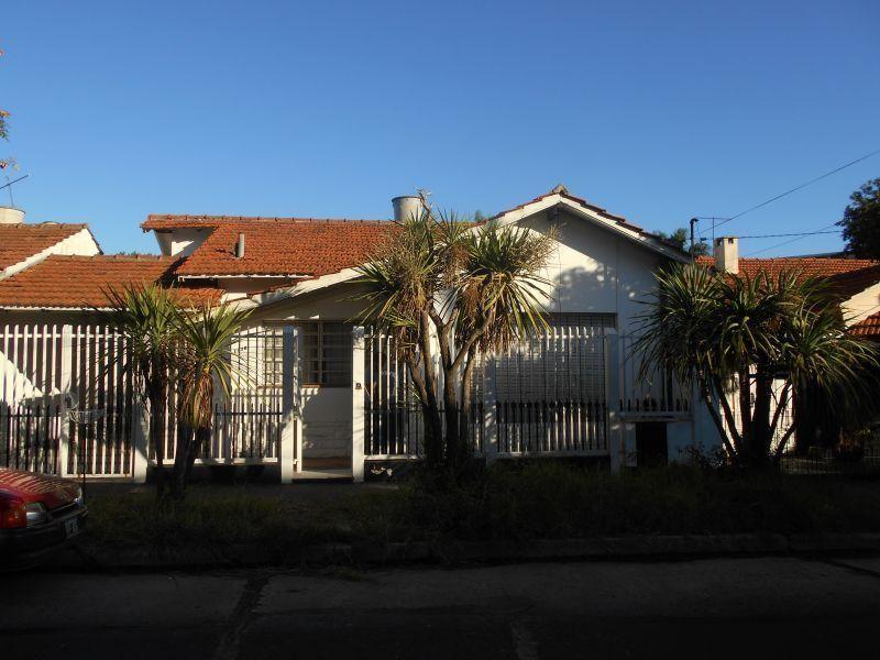 Venta de Casa 3 ambientes en San Isidro Martínez