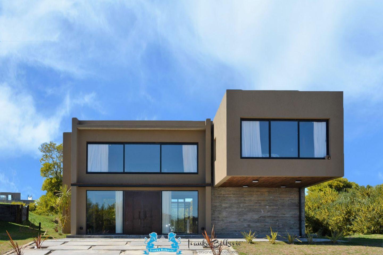 Casa en Ecuestre 5 ambientes
