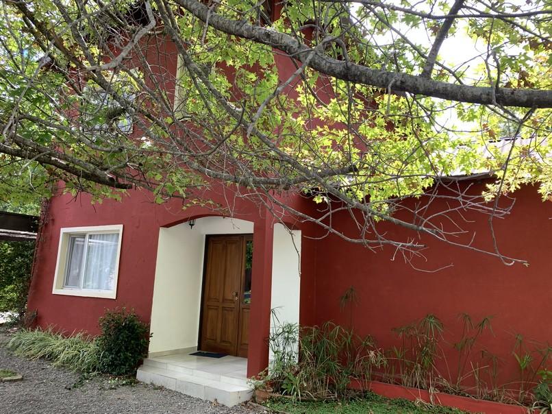 Casa en venta Santa Silvina 5 ambientes