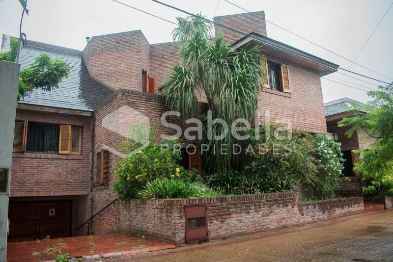 Venta de Casa 5 o mas ambientes en La Plata Tolosa