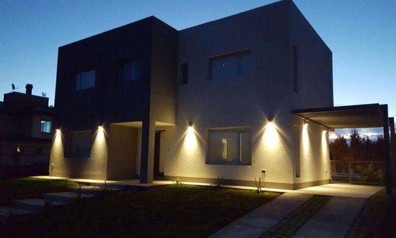 Casa en Neuqu�n,  | MEM159 | Mercado Inmobiliario