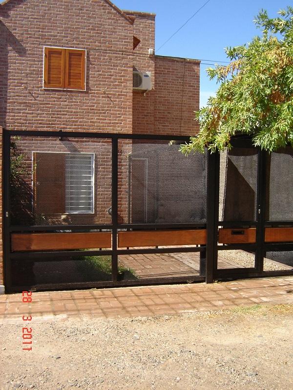 Casa en Confluencia,  | MEM373 | Mercado Inmobiliario