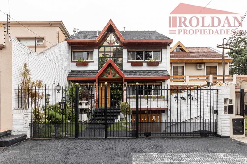 Casa en venta El Palomar 6 ambientes