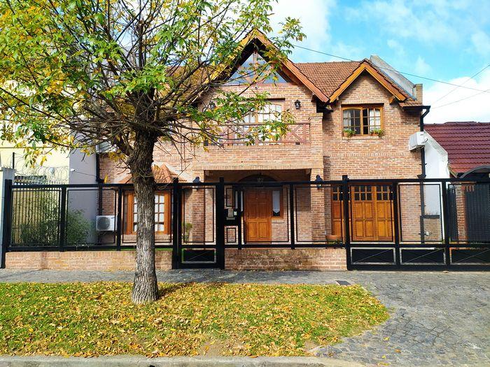 Casa en venta Ciudad Jardín Lomas 5 ambientes