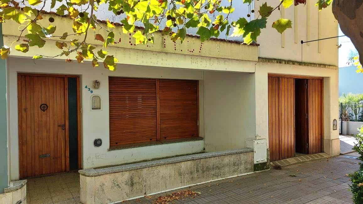 Casa en venta y alquiler Instituto 2 dormitorios