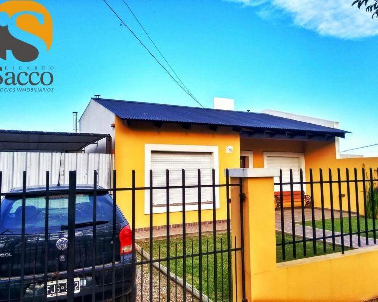 Casa en venta Lafit 2 dormitorios