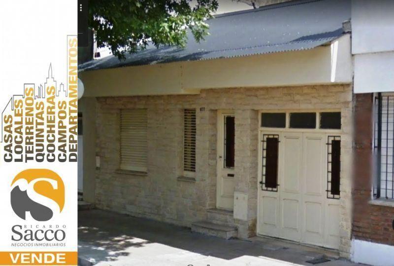 Casa en venta Colegio Di Geronimo 2 dormitorios