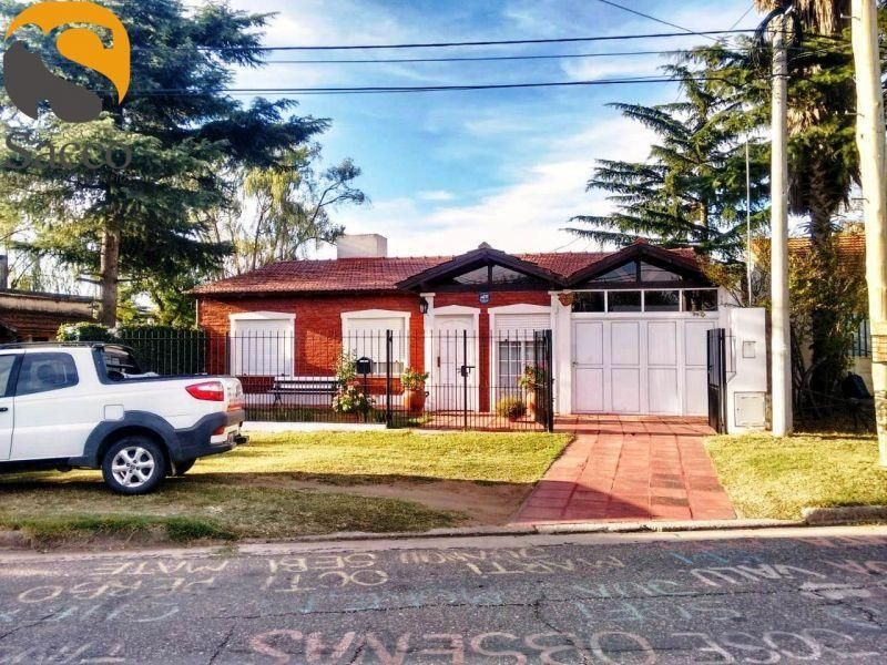 Casa en venta Barrio Parque 3 dormitorios