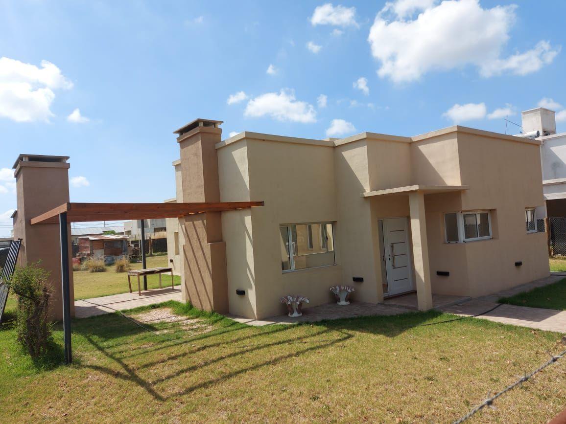 Casa en venta Don Felipe 2 dormitorios