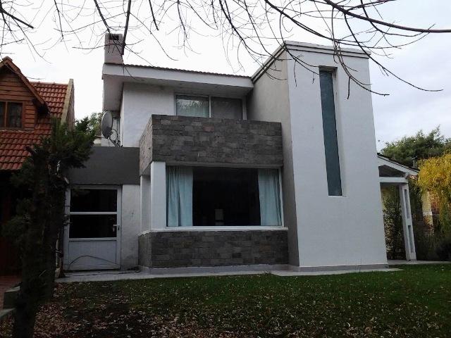 Casa en Neuquén, Villa Lago Marimenuco | VIF609 | Viñuela & Ferracioli Servicios Inmobiliarios