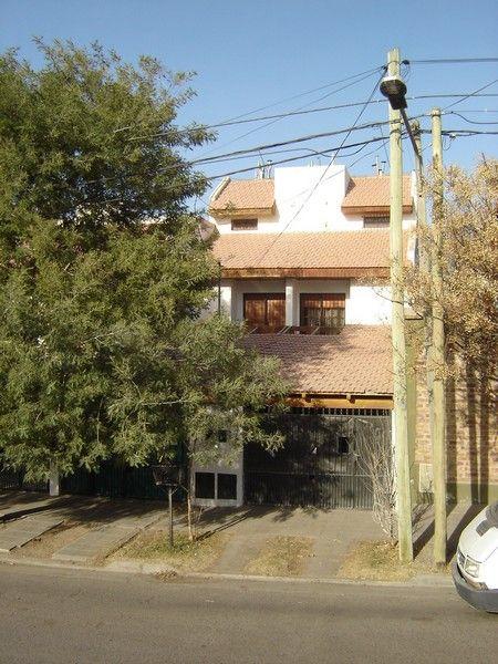 Casa en Neuquen, Bº Santa Genoveva | VIF720 | Viñuela & Ferracioli Servicios Inmobiliarios