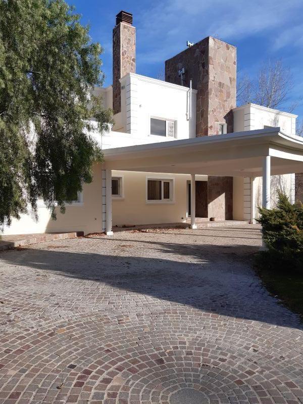 Casa en Confluencia, Bº Comahue Golf | VIF738 | Viñuela & Ferracioli Servicios Inmobiliarios