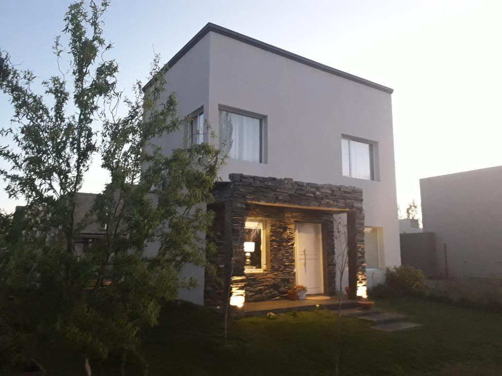 Casa en Confluencia, La Castellana | VIF842 | Viñuela & Ferracioli Servicios Inmobiliarios