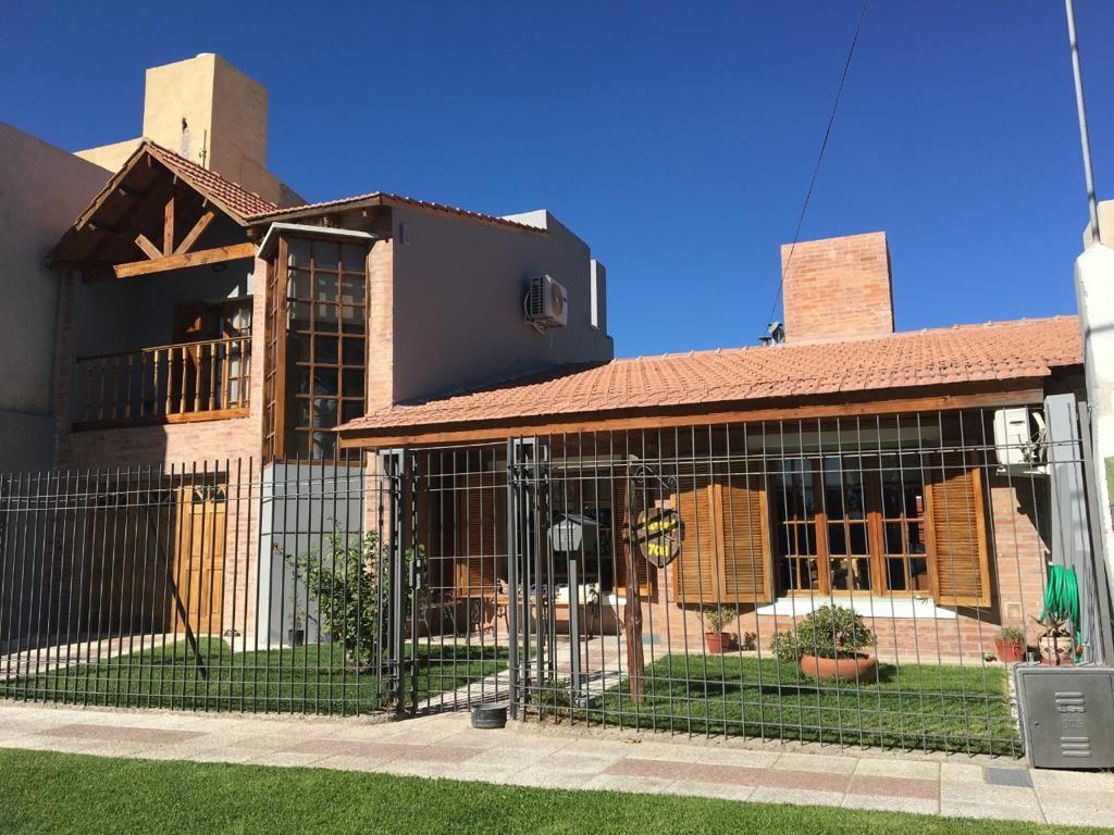 Casa en Confluencia, Mercantiles | VIF925 | Viñuela & Ferracioli Servicios Inmobiliarios